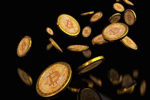 Entusiasta do Bitcoin joga dinheiro do topo de prédio em Hong Kong e é preso por distúrbio