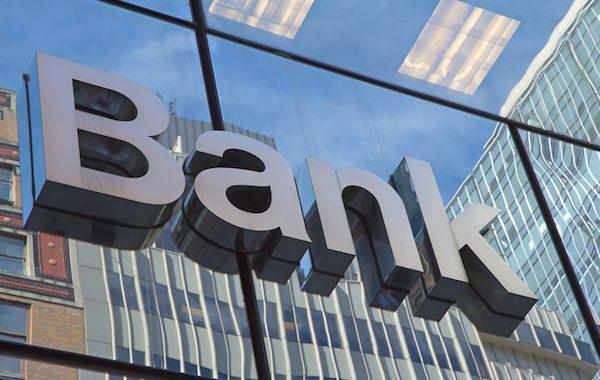 Justiça ordena Banco Santander a manter conta de exchange de criptomoedas aberta