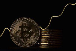 Volume de bitcoin negociado no Brasil sobe 500% durante queda do preço
