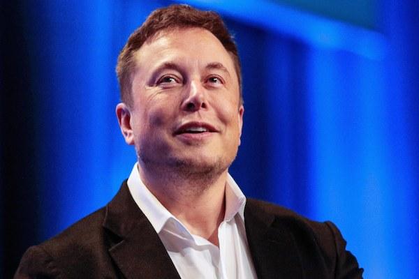 Elon Musk afirma que não tomará vacina contra a covid-19