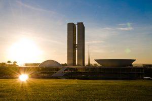 Congresso Nacional dá inicio aos trabalhos legislativos e Bolsonaro envia mensagem