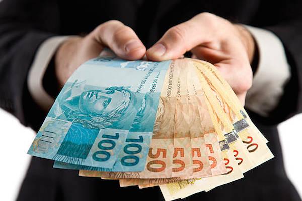 Arrecadação federal chega a R$ 135,2 bilhões em outubro