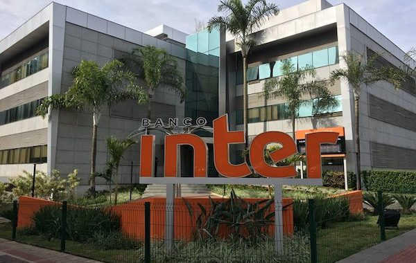 Bolsonaro autoriza participação estrangeira no capital social do Banco Inter