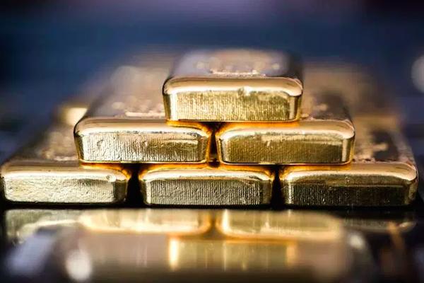Bancos centrais vendem ouro pela primeira vez em uma década