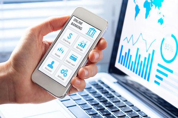 Serviços bancários por celular são acessados por 65% dos brasileiros
