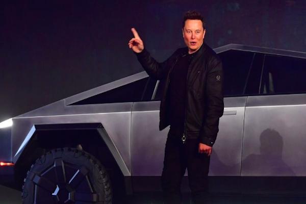 """A Tesla depois de disparar na Bolsa: """"oportunidade da década"""" ou bolha?"""