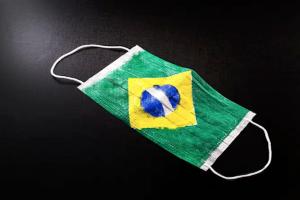 Brasil tem maior taxa de transmissão de Covid-19 desde maio, aponta Imperial College